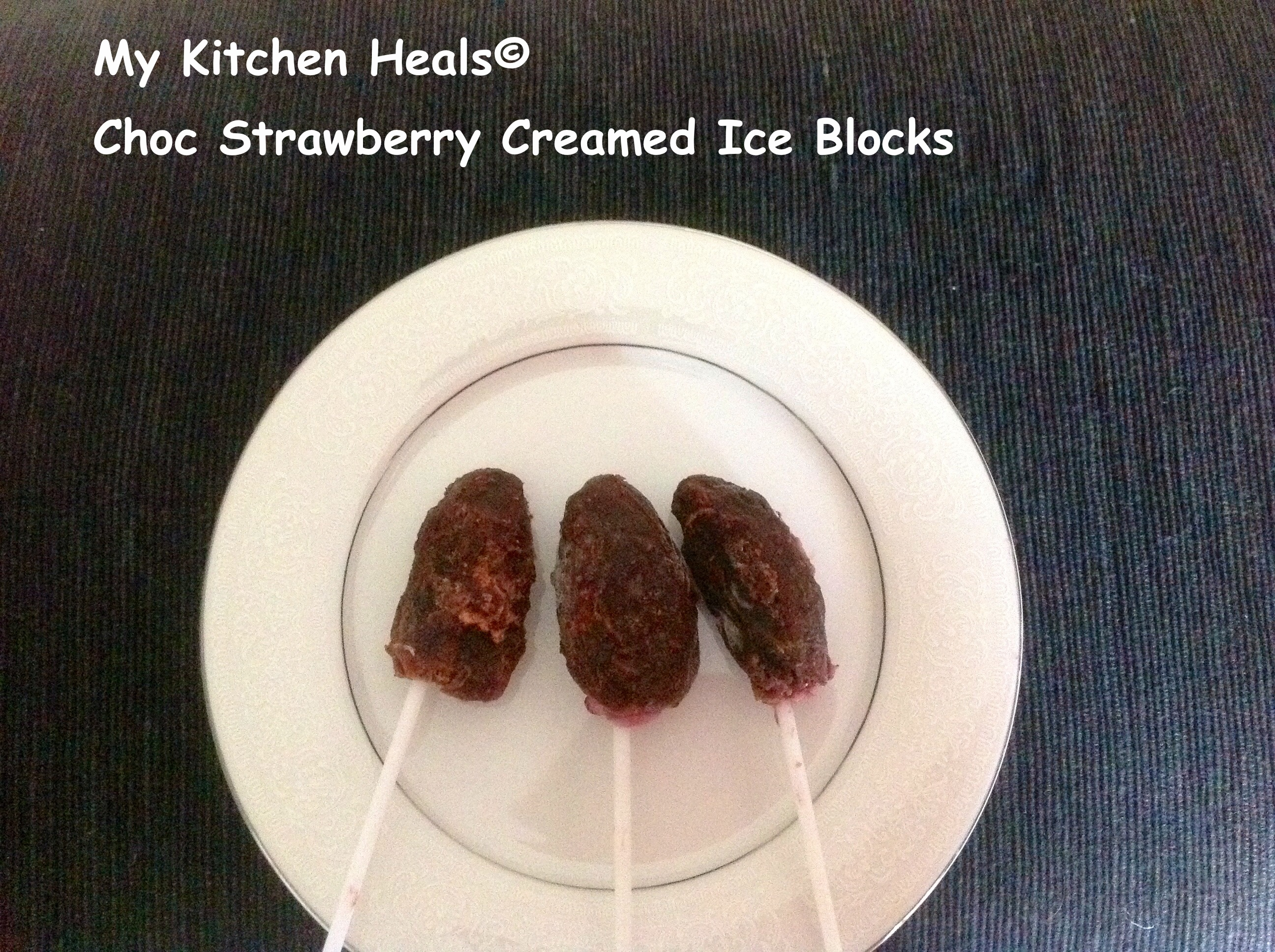 CHOC STRAWBERRY CREAM ICE BLOCKS